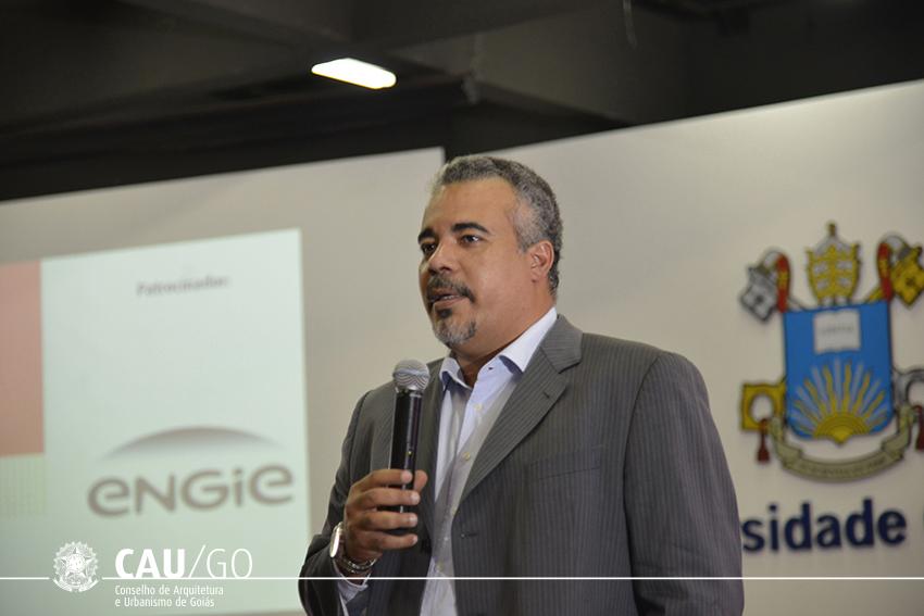 Prof. Antônio Macedo explana sobre a certificação ambiental de edificações